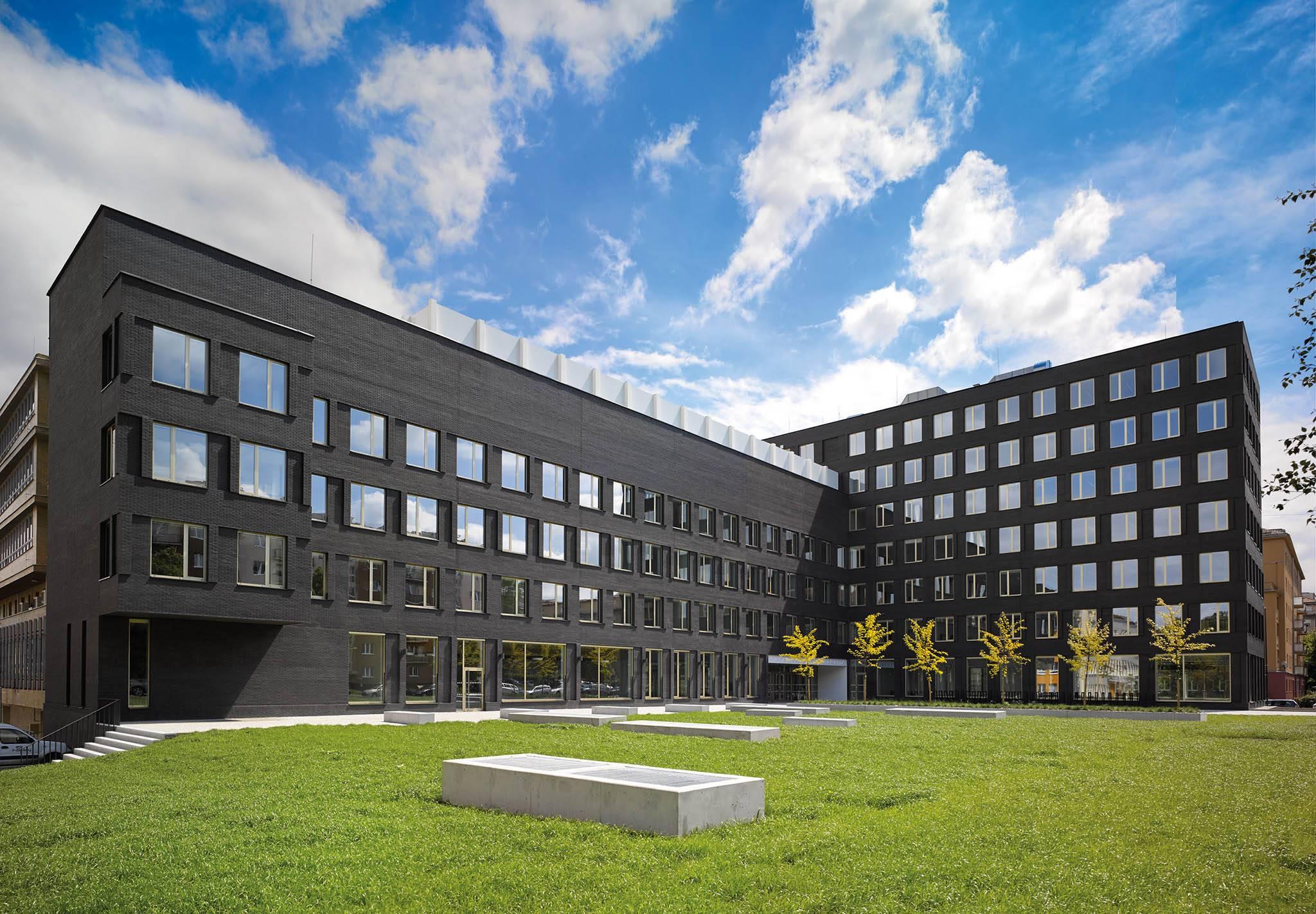 Обзор университетов брно — чем привлекателен город для студентов?