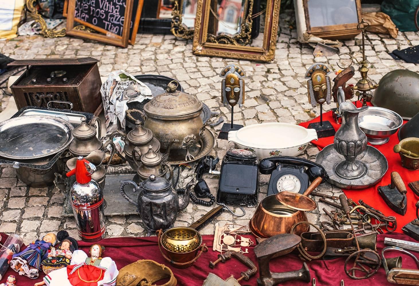 Блошиный удельный рынок - барахолка: режим работы 2020, как добраться, что можно купить   гид по петербургу 2020