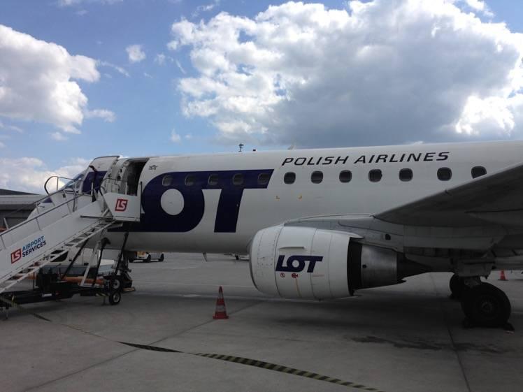 Польская авиакомпания lot