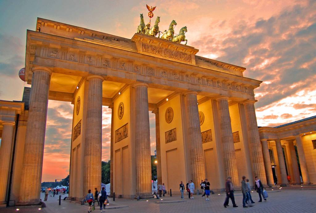 Бранденбургские ворота, берлин. фото, история, адрес, отзывы туристов, как добраться, отели — туристер.ру