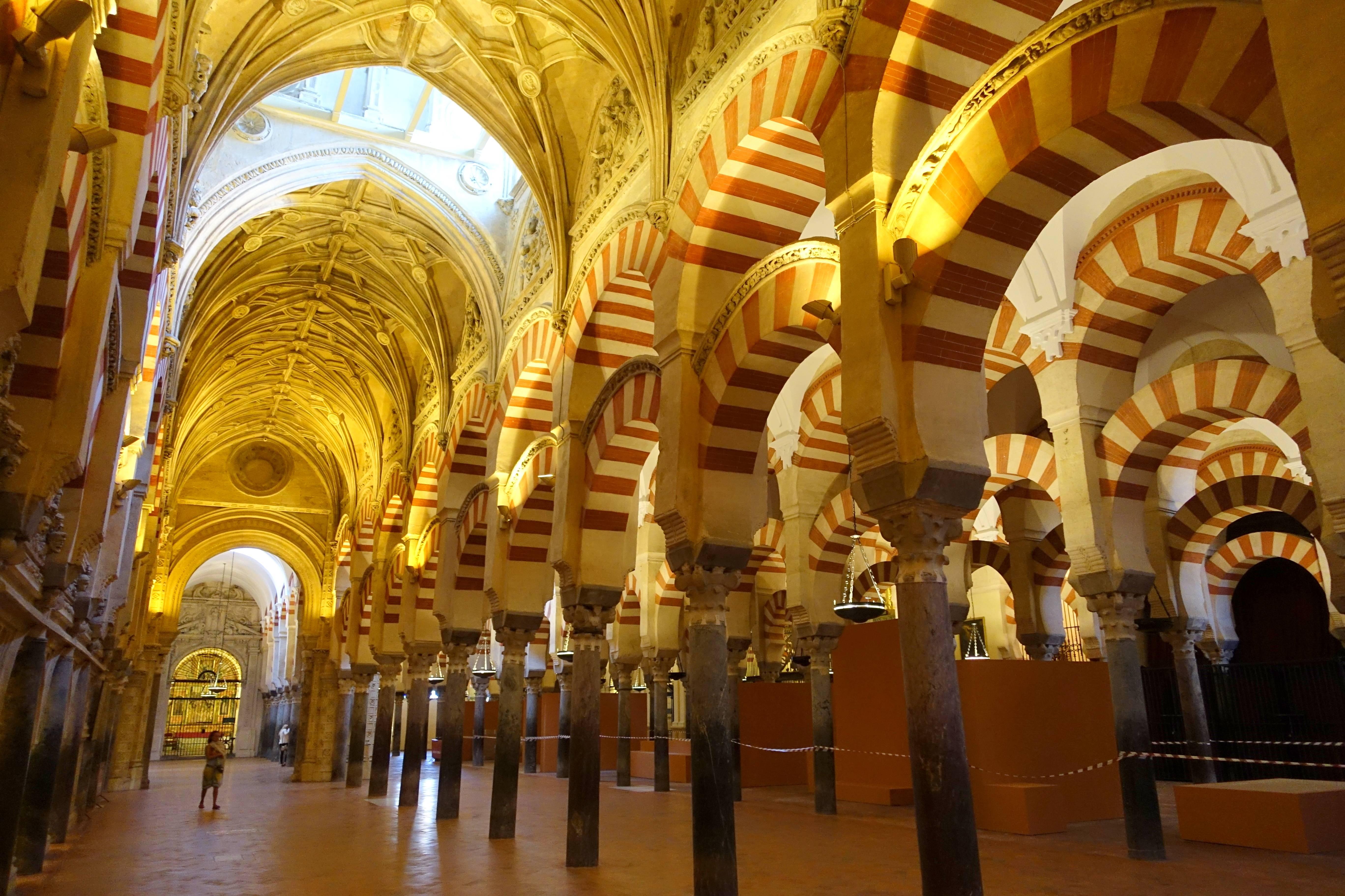 Прогулка по дюссельдорфу. вся архитектура дюссельдорфа - знаковые монументы, замки, храмы и дворцы