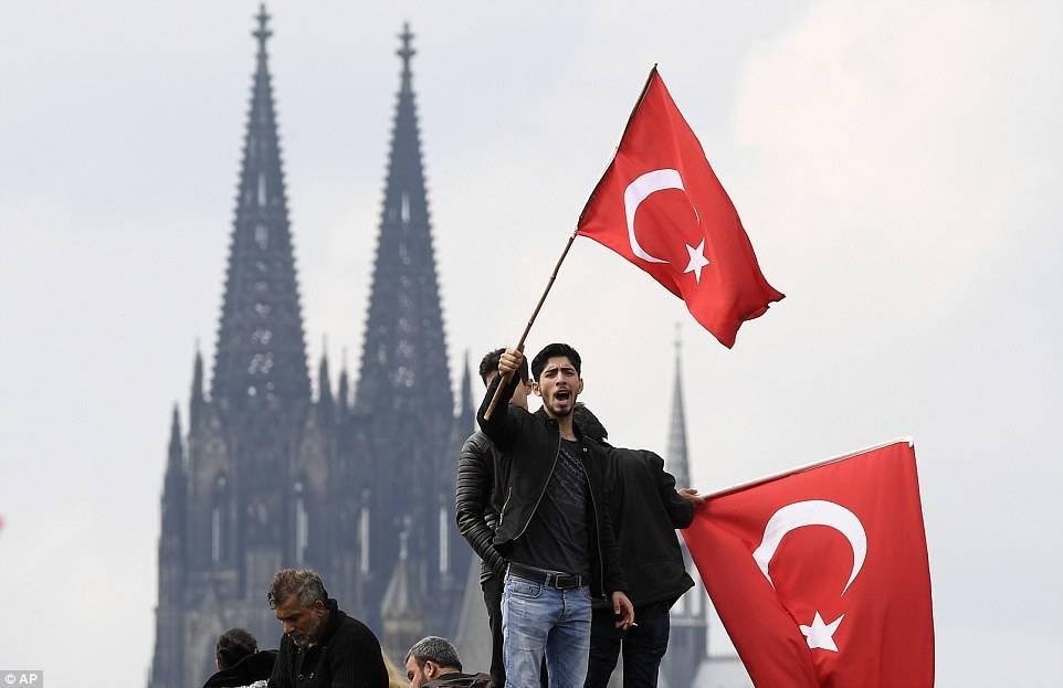 Почему турки селятся в германии и не живут в австрии?