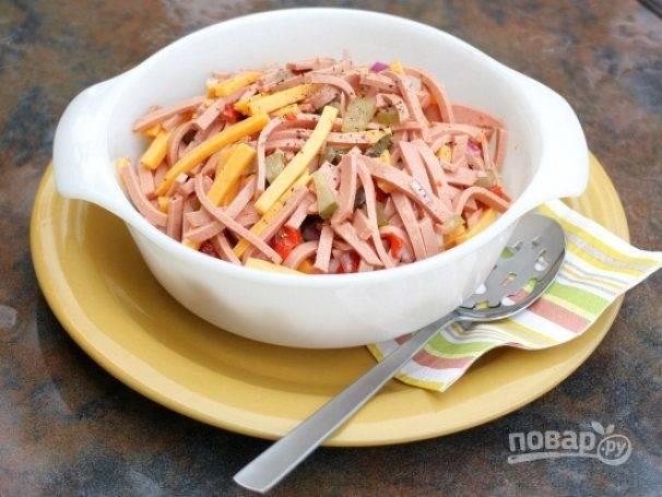 Салат мюнхенский с копченой курицей. мюнхенский салат – шедевр немецкой кухни
