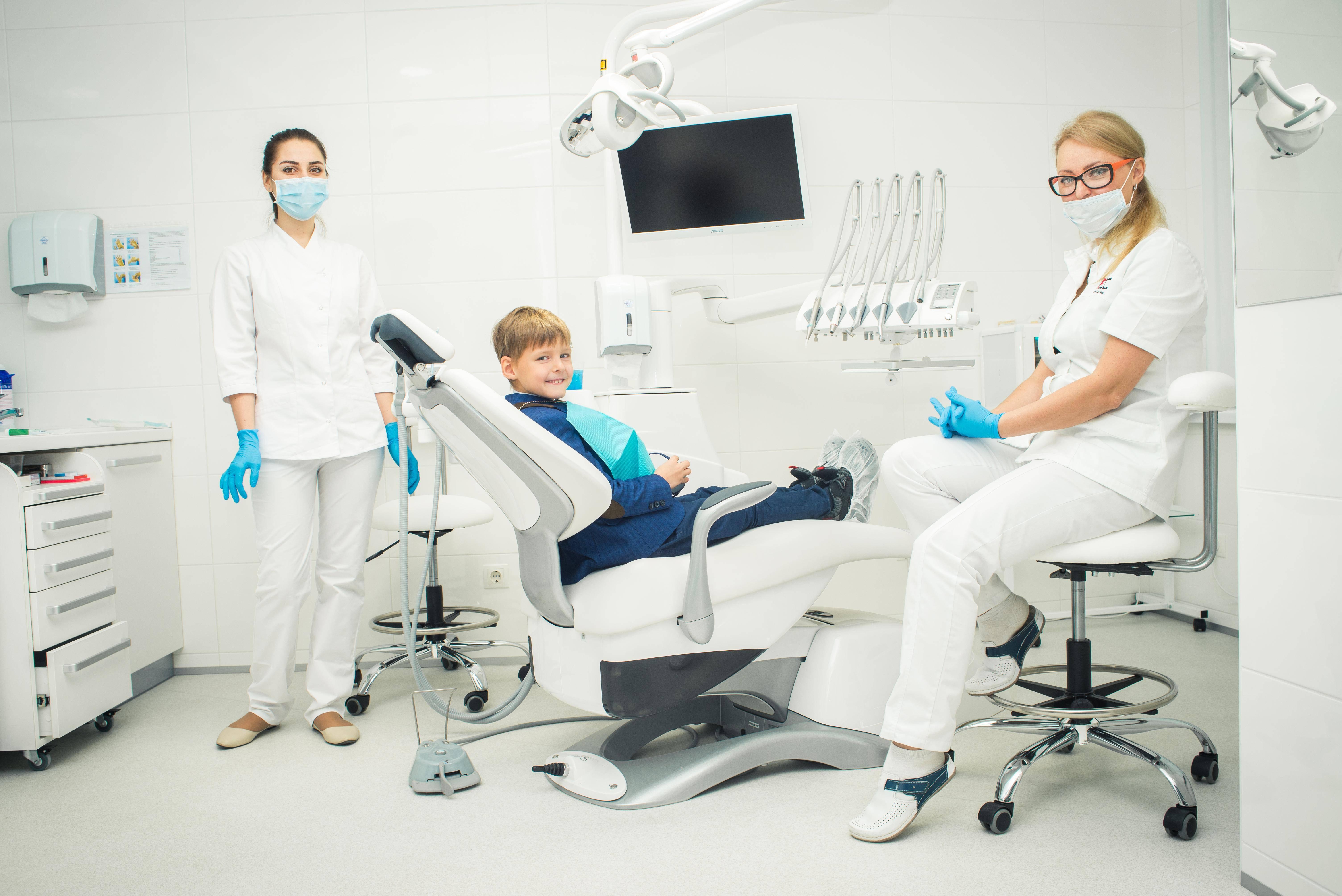 Сколько стоит лечение зубов в германии?