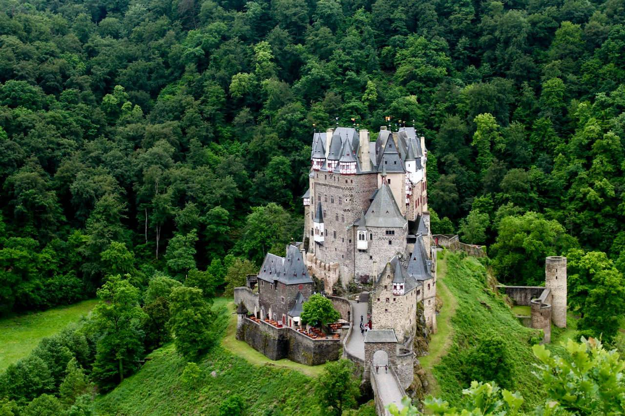 Замок эльц – жемчужина среди немецких замков