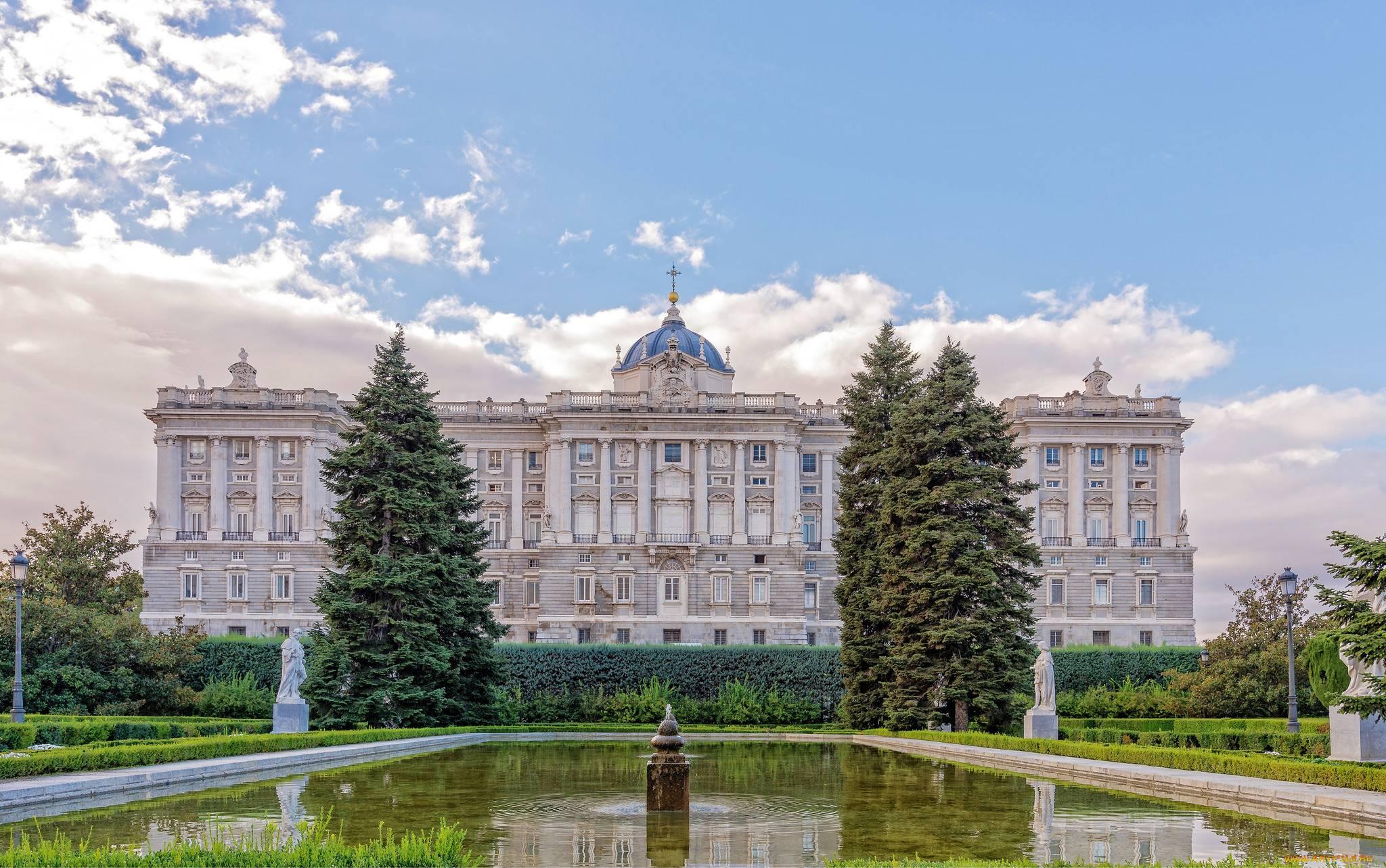 О мадридском королевском дворце в испании: интерьер, музейные сокровища