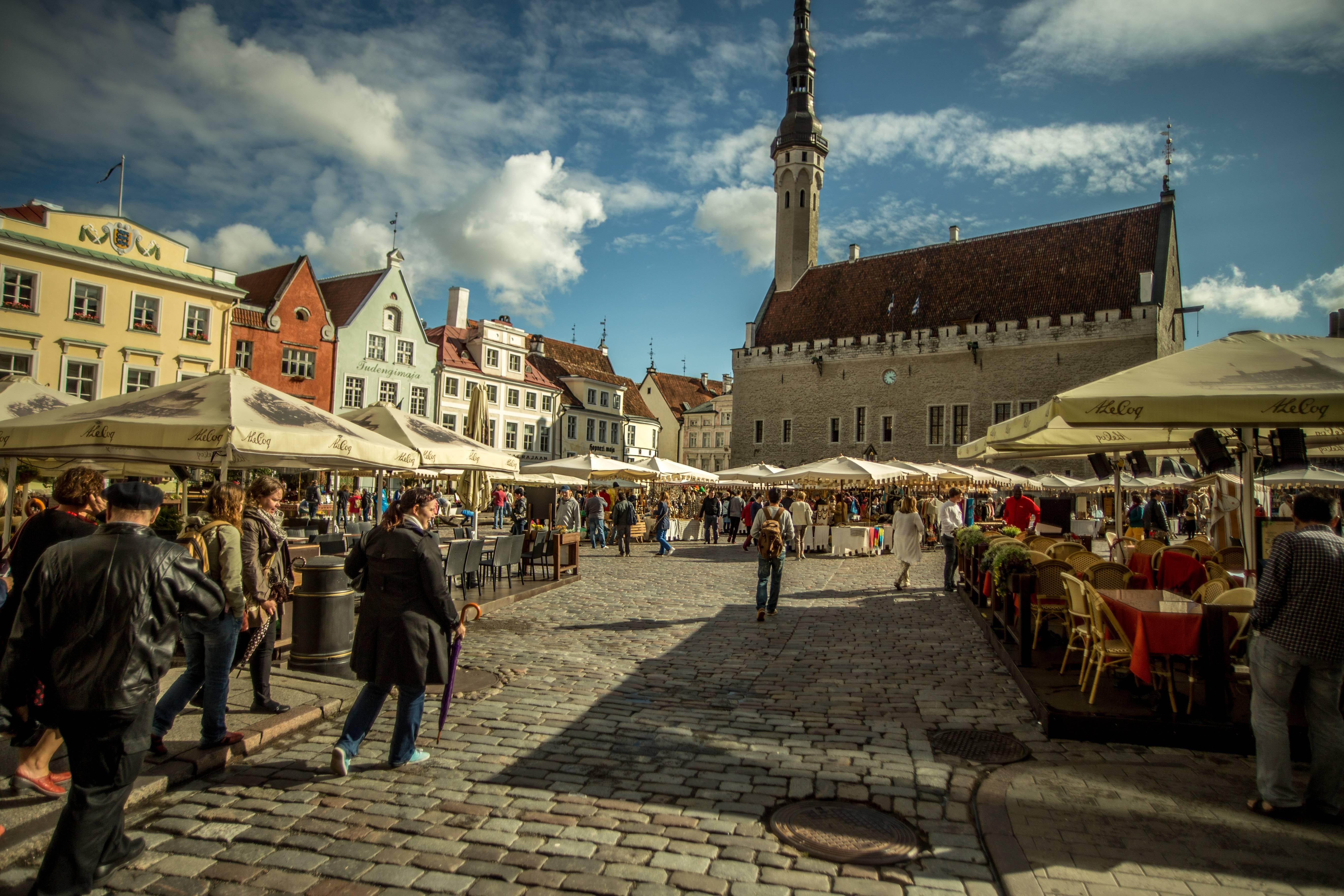 Работа в эстонии для русских: средняя зарплата в 2020 году