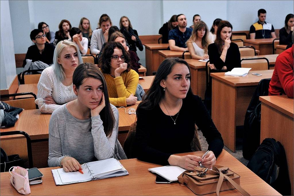 Гранты и стипендии на обучение