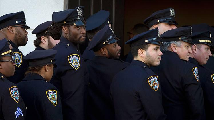 Сколько зарабатывают полицейские разных стран 2021 года