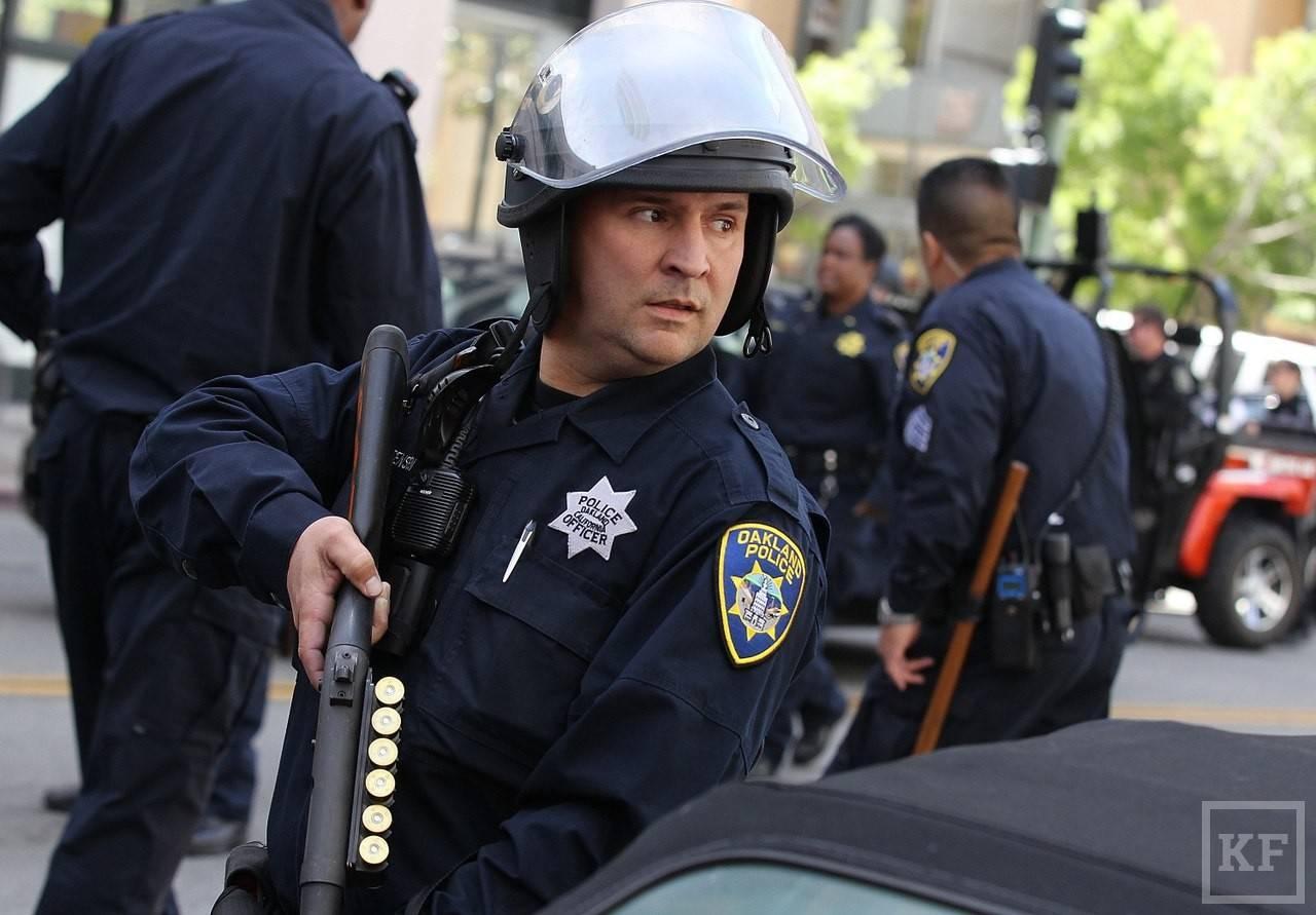 Какая зарплата у полицейских в россии, украине и других странах %2021%