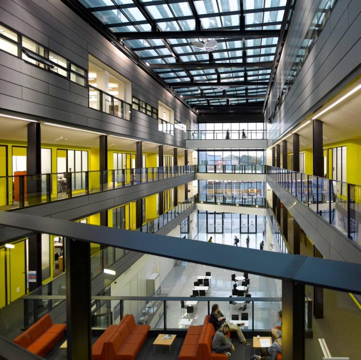 University of manchester (манчестерский университет)