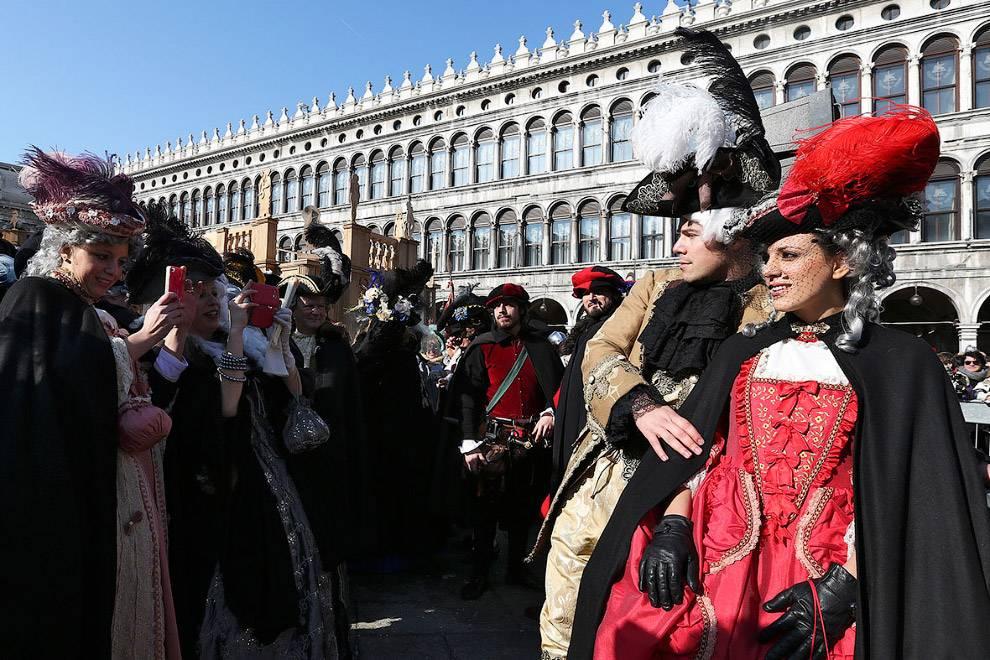 Венецианский кинофестиваль: что нужно знать и как на него попасть