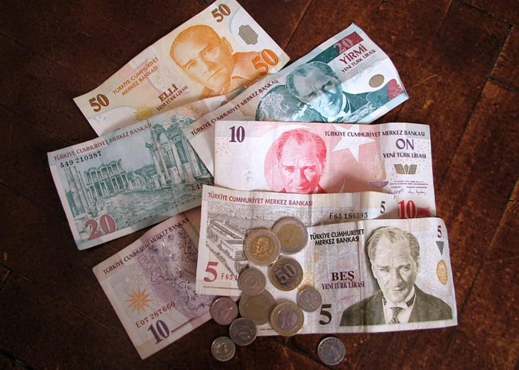 С какой валютой ехать в турцию этим летом и где ее выгоднее менять