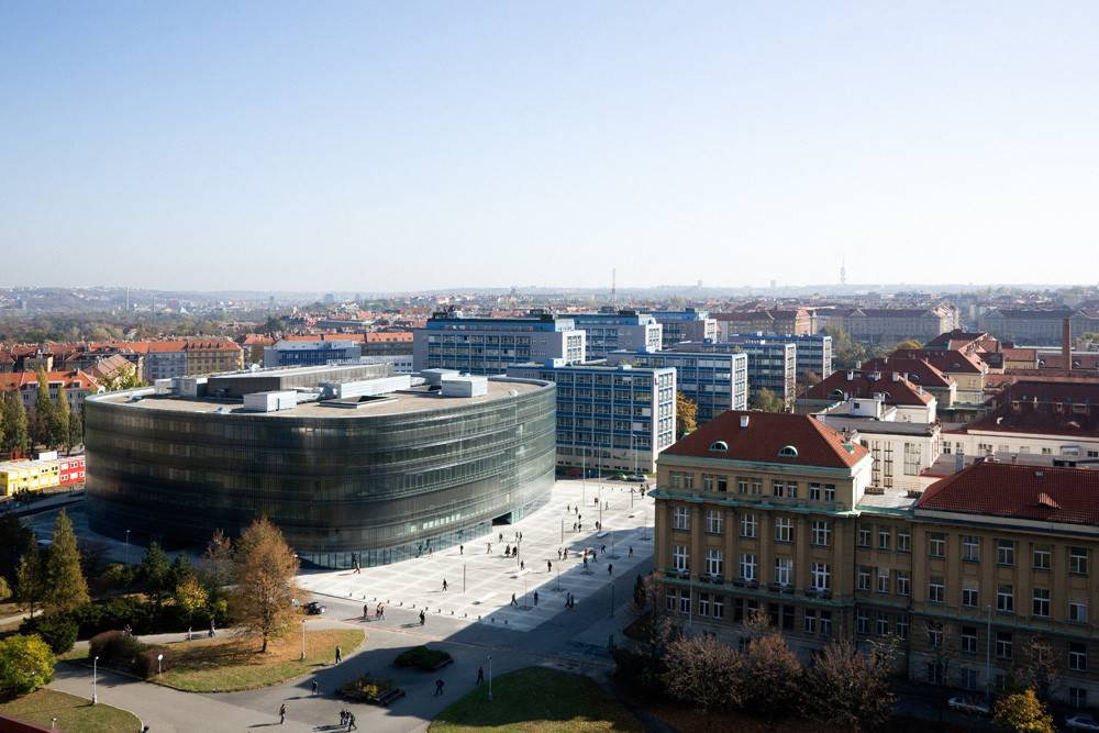 Стоит ли учиться в чехии — сложно ли учиться: плюсы и минусы образования в чехии