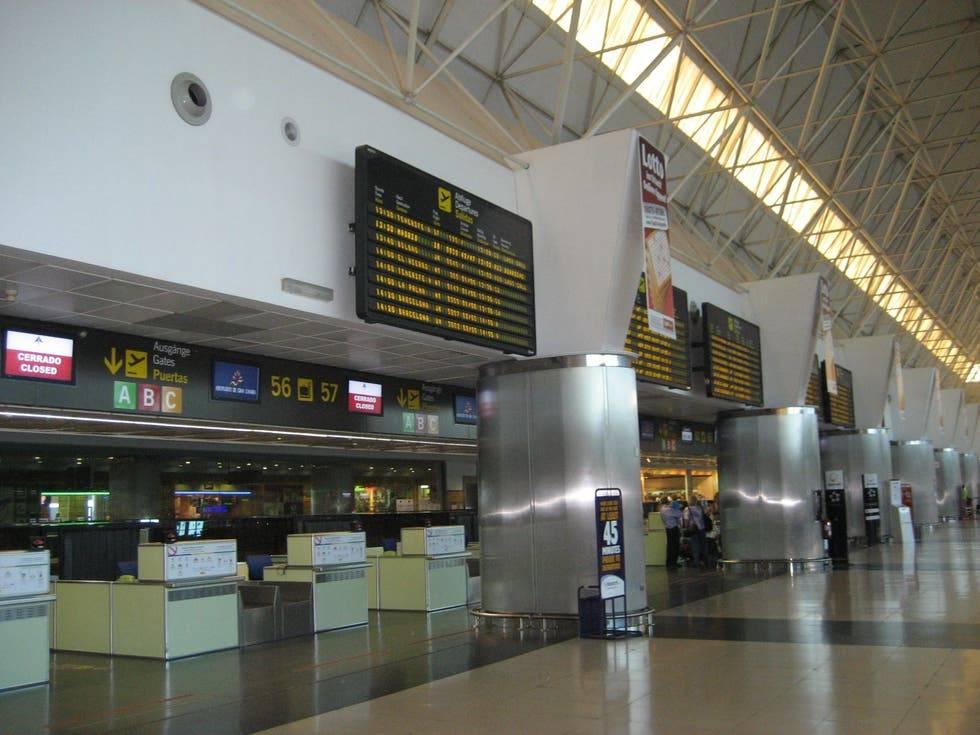 Аэропорт гран-канария (gran canaria), лас-пальмас-де-гран-канария, заказ авиабилетов