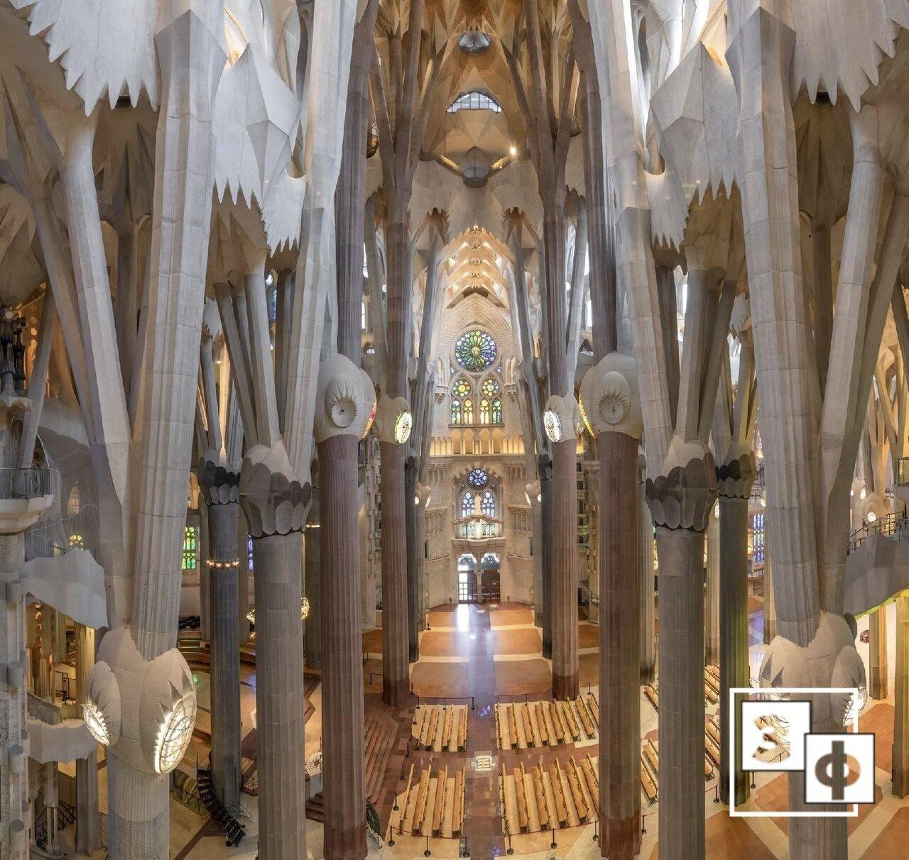 Собор саграда фамилия или храм святого семейства в барселоне
