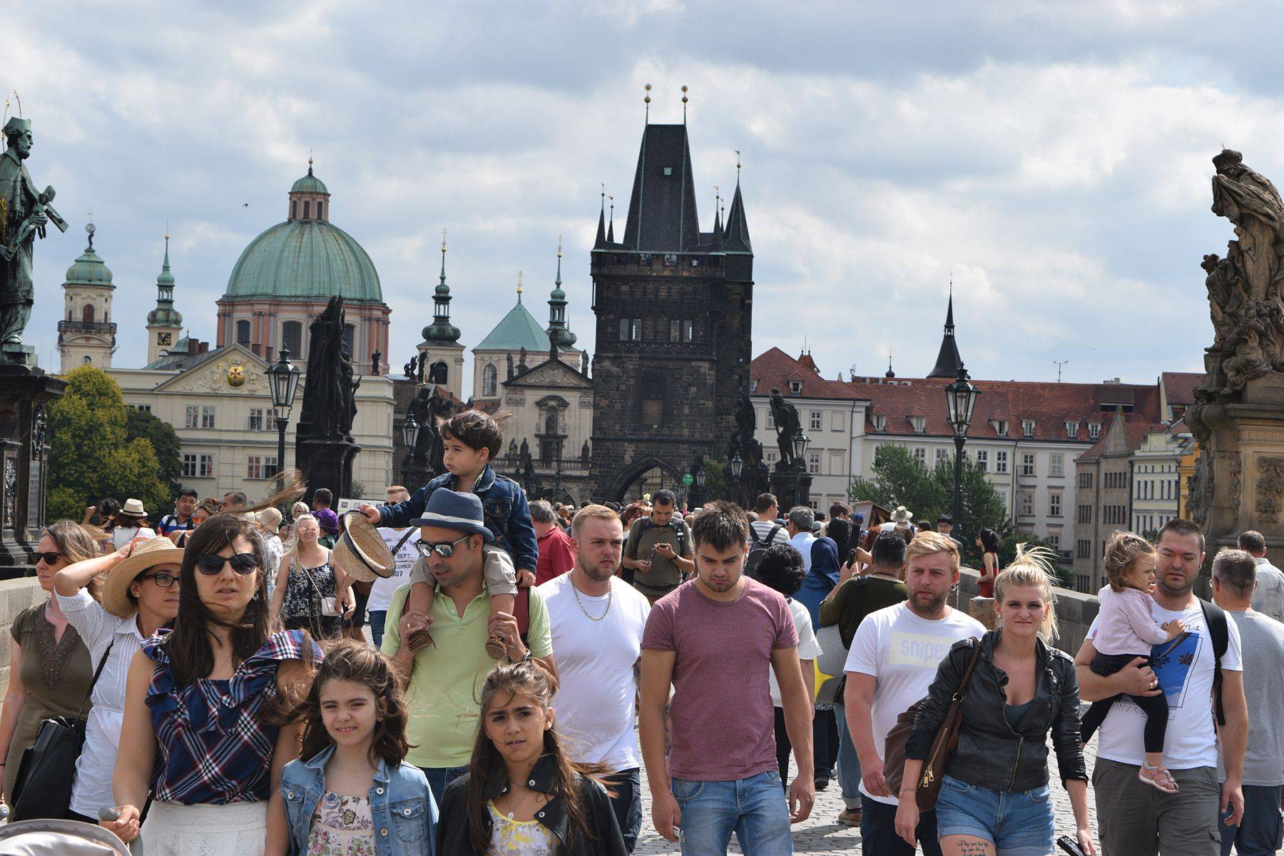 Отзывы русских о жизни в чехии: как относятся к иностранцам, русская община, уровень жизни мигрантов
