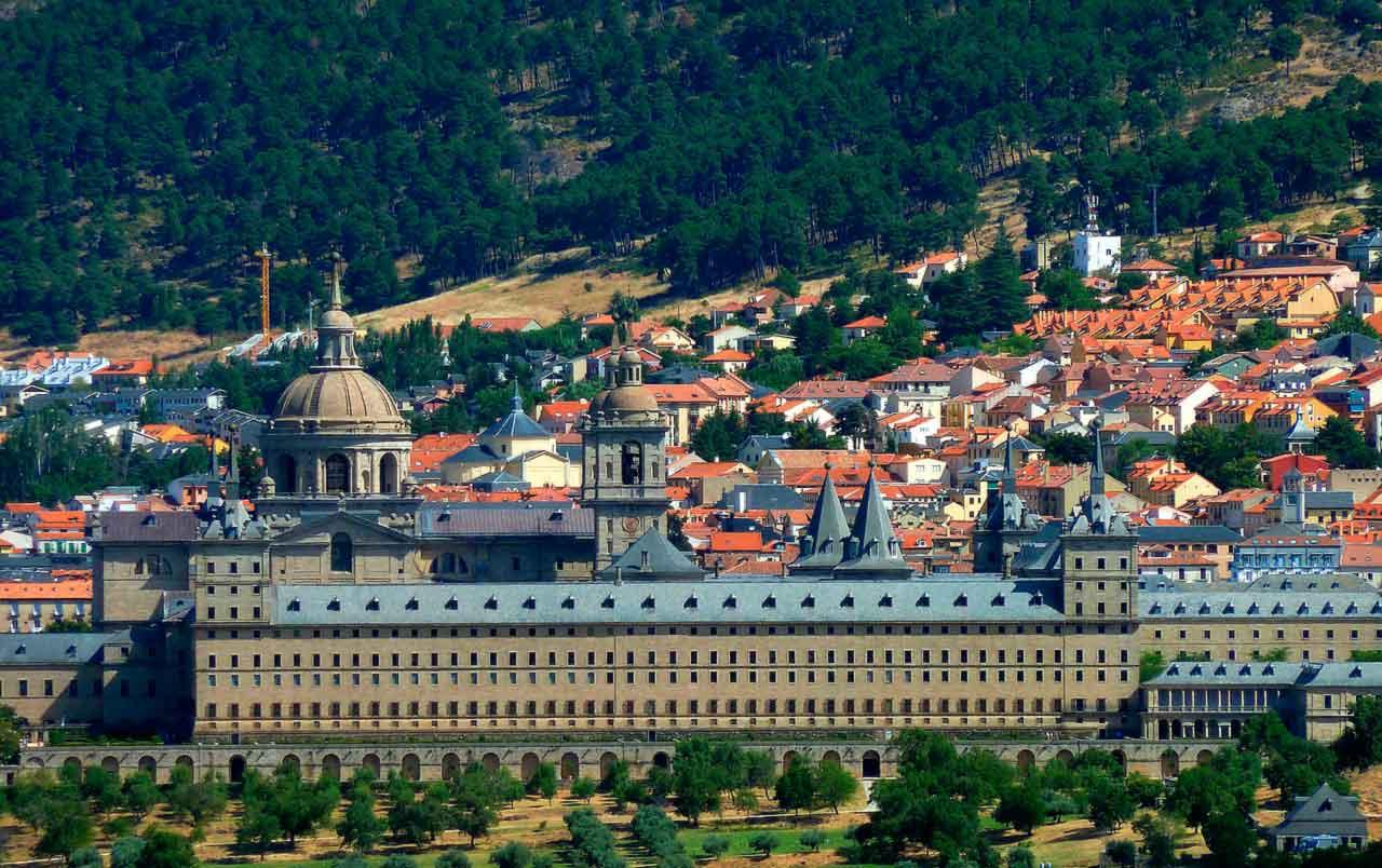 Эскориал: монастырь-дворец-крепость