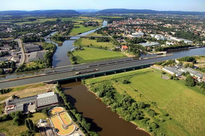 Река над рекой: удивительный магдебургский водный мост!