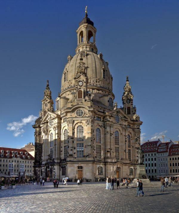 Кафедральный собор фрауэнкирхе: строительство собора и его восстановление