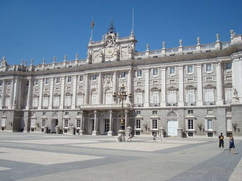 Королевский дворец и gran via :: мадрид :: отзыв лягушки-путешественницы