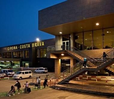 Отели около аэропорта жироны/ коста-брава | жирона - аэропорт и его гостиницы на orangesmile.com