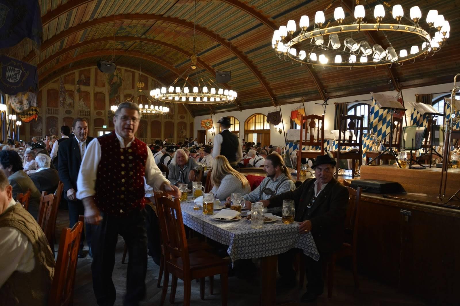Заведения Мюнхена: где вкусно и недорого поесть