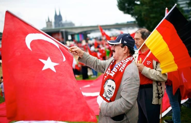 Турки в германии : definition of турки в германии and synonyms of турки в германии (russian)