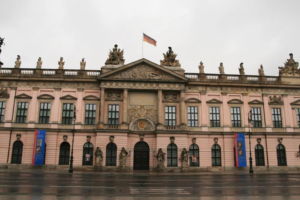 Самые известные музеи мира: топ-10