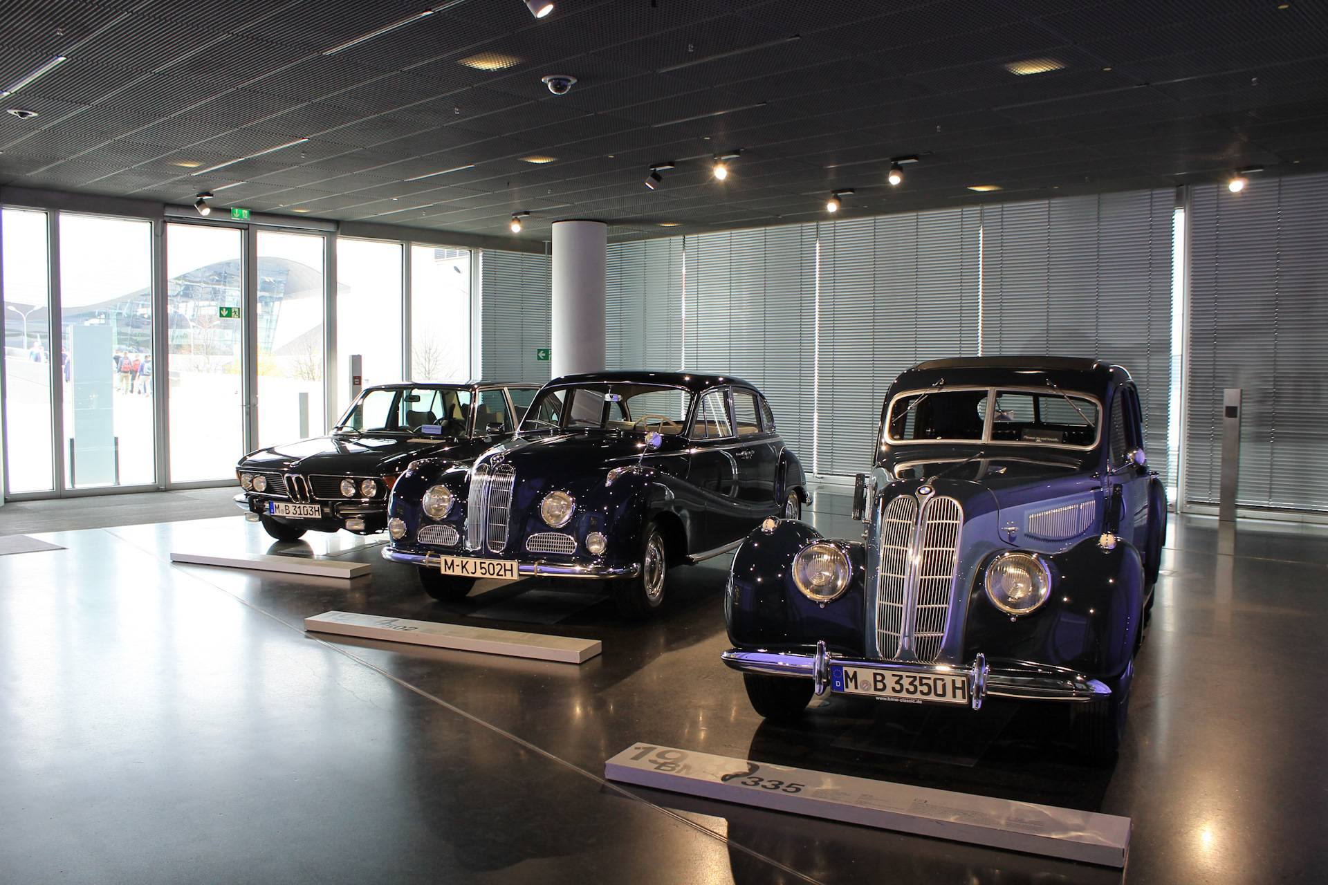 Музей bmw – автомобильная достопримечательность мюнхена