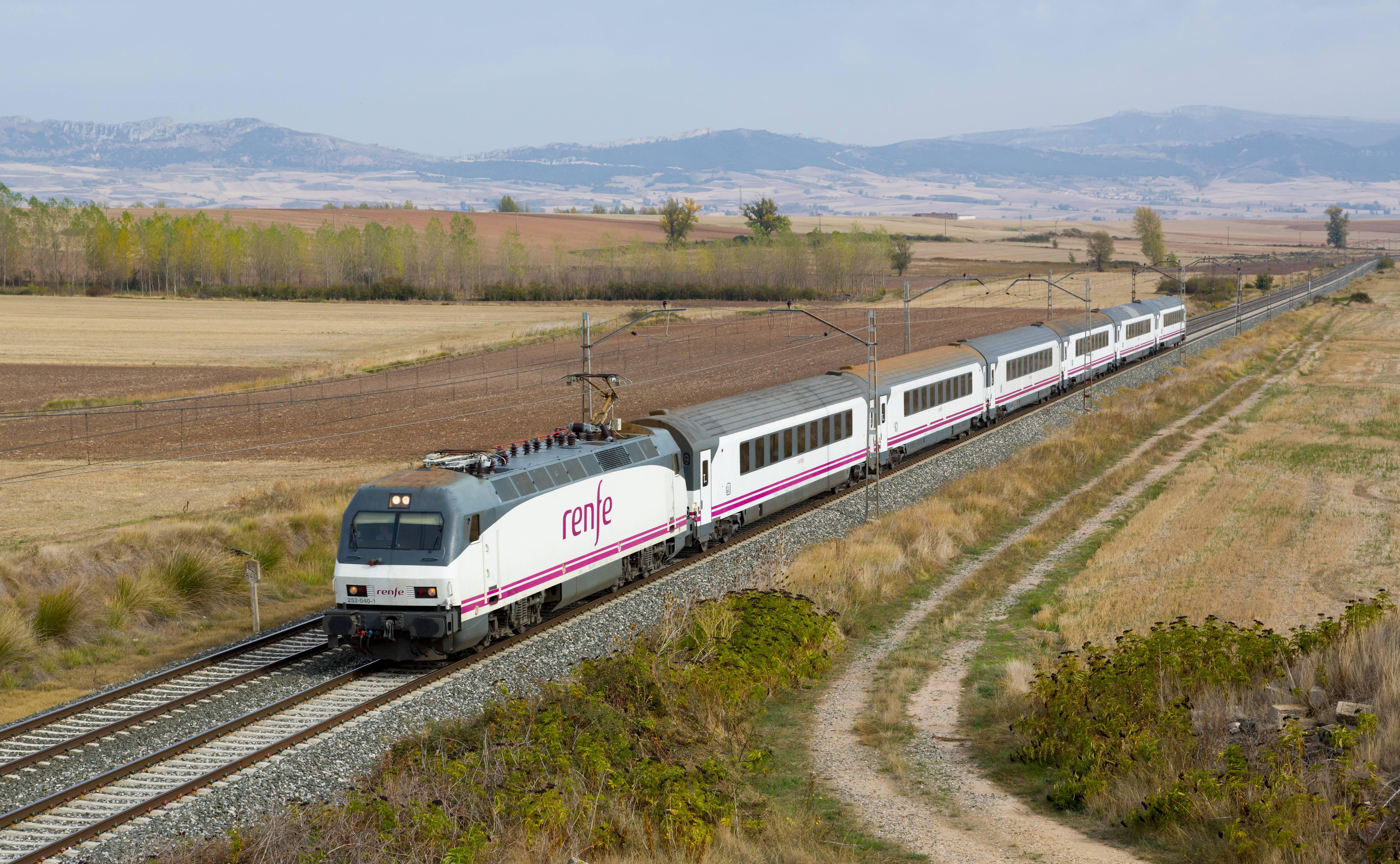 Купить ж/д билет, испания - отдых в испании (аликанте). жилье, экскурсии, трансфер, информация.