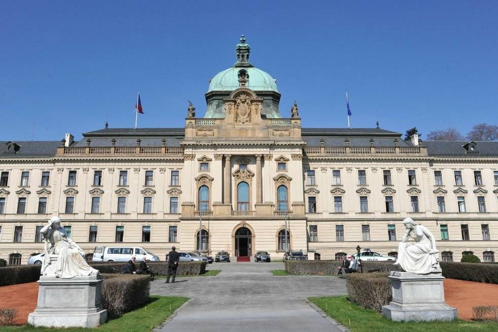 Сколько стоит обучение в чехии: стоимость высшего образования