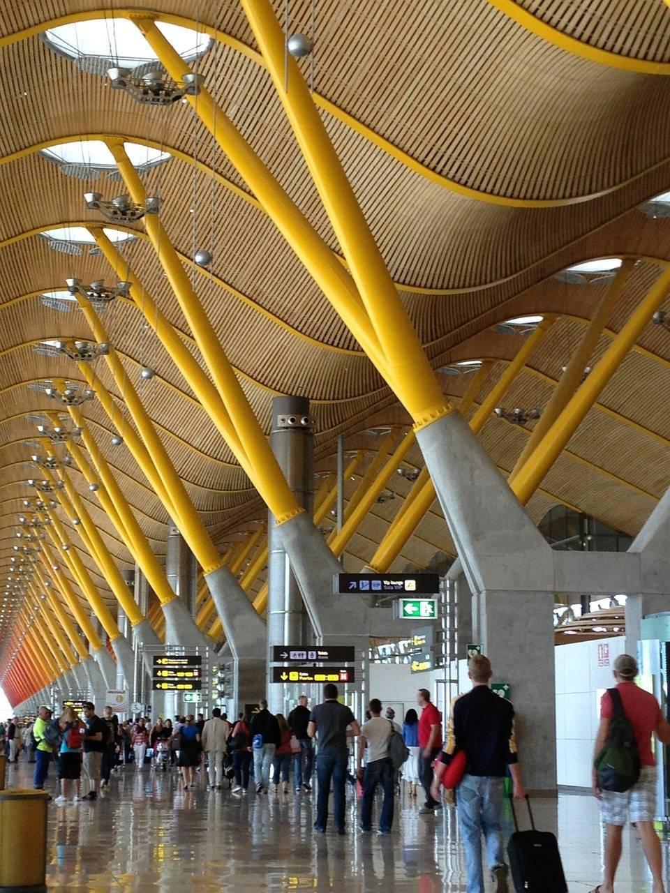 Как добраться из аэропорта мадрида (barajas) в город | как добраться .com