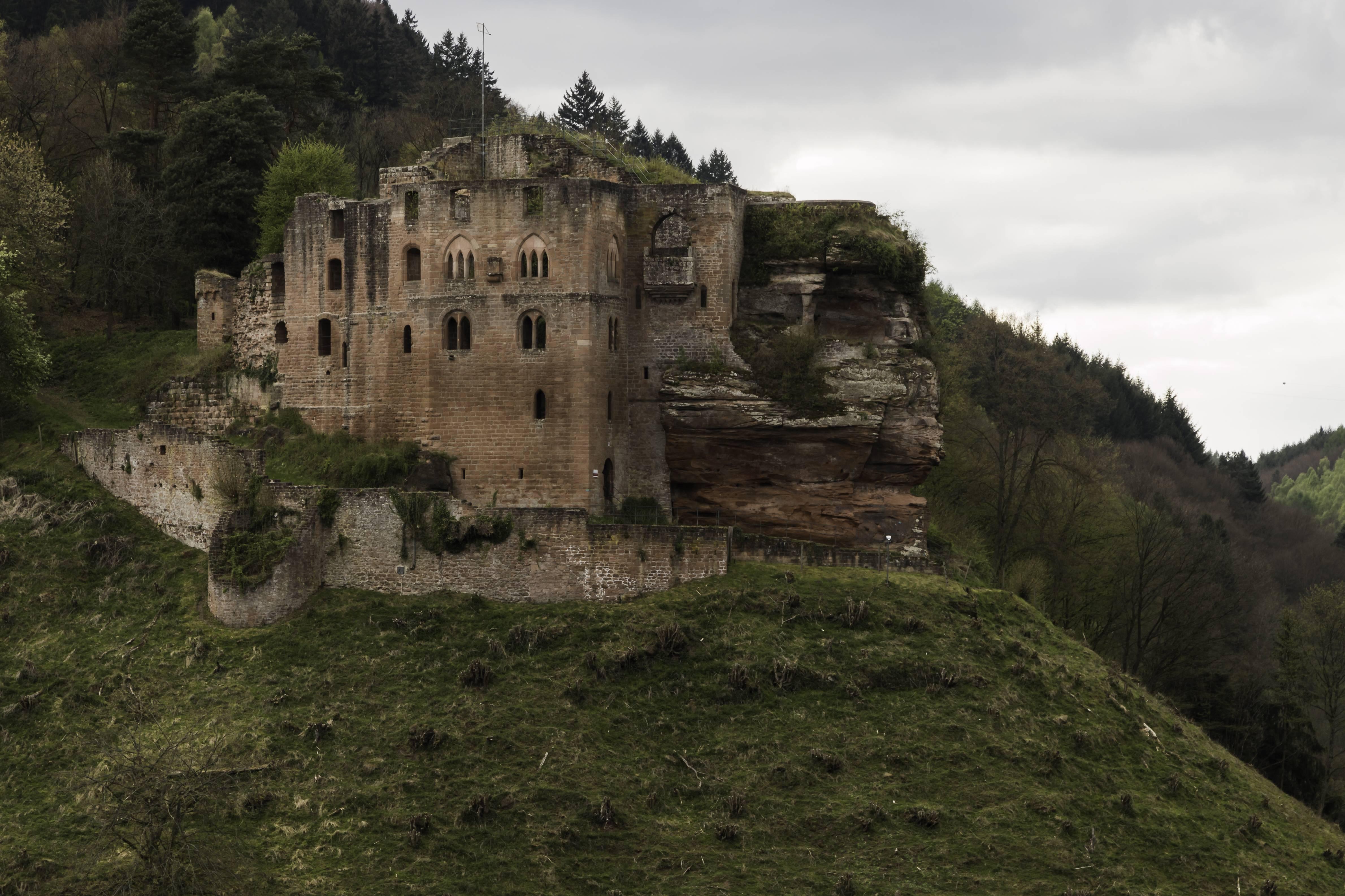 Замок франкенштейн в германии: фото, история, как добраться | vectorme, векторми