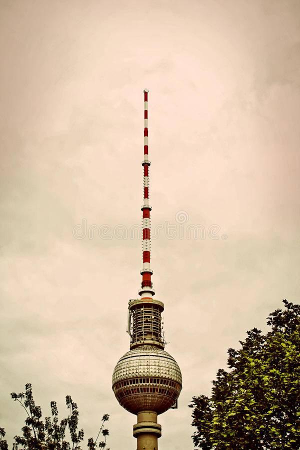 Берлинская телебашня, берлин. высота, смотровая площадка и ресторан, фото, видео, как добраться, отели – туристер.ру