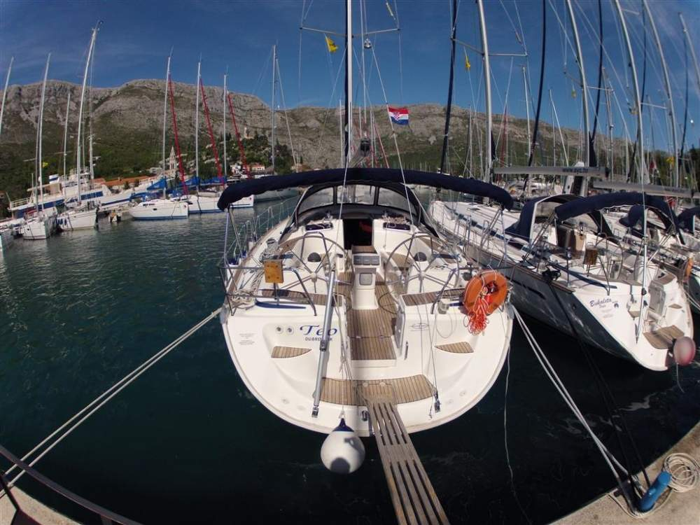 Yacht charter spain: low price for boat rental - 2yachts