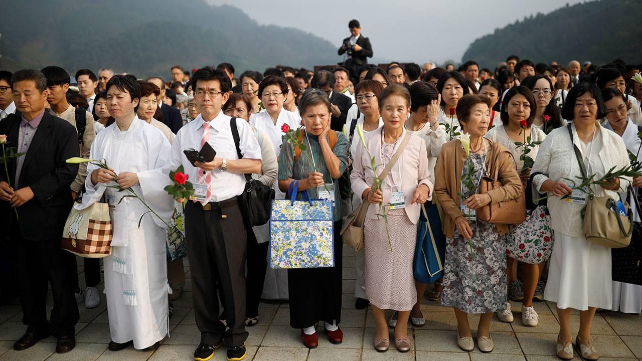 Жизнь в южной корее: плюсы и минусы глазами русских, уровень зарплат, как попасть и адаптироваться в азиатскую страну — вне берега