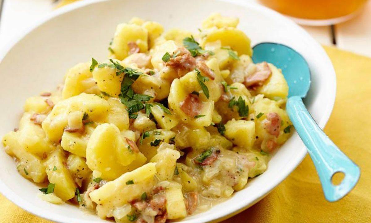 Классический американский и немецкий картофельный салат