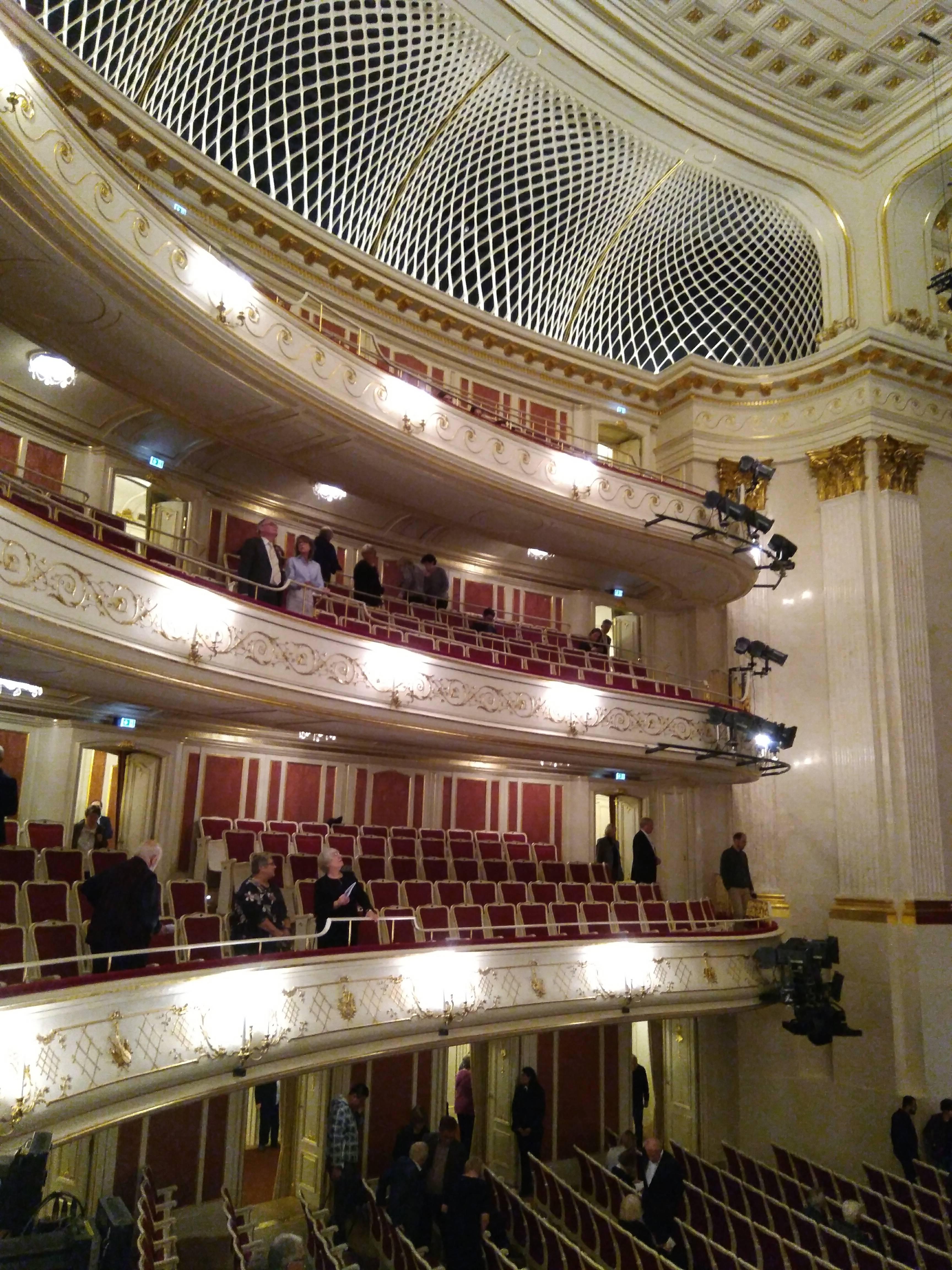 Берлинская государственная опера — википедия