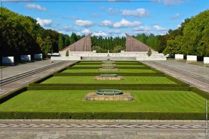 Трептов-парк в берлине и памятник воину-освободителю