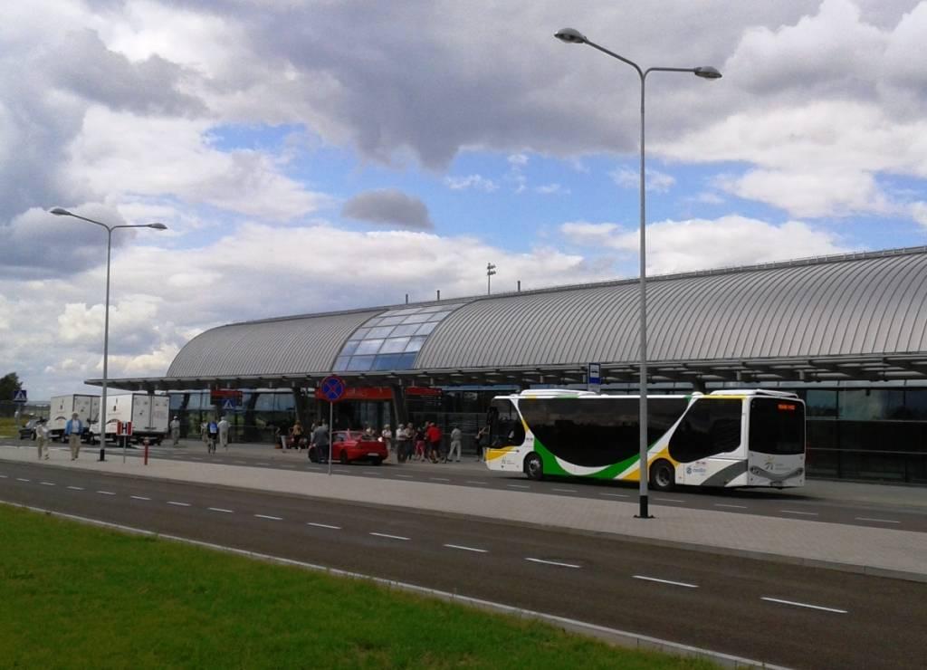 Как добраться из центра варшавы до аэропорта модлин (из аэропорта modlin в центр города)