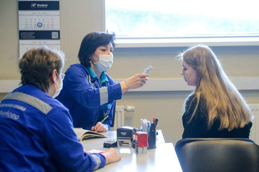 Туристы не успевают сдать тесты на коронавирус после турции
