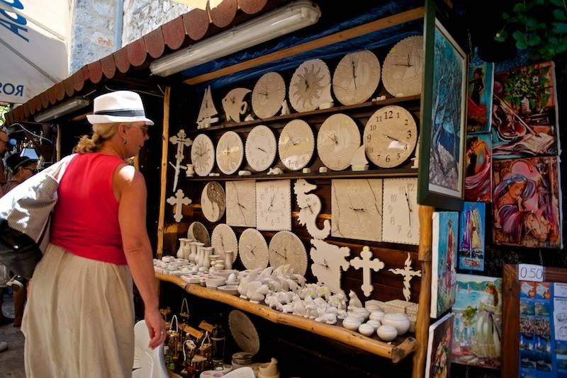 Какие подарки и сувениры можно привезти из черногории