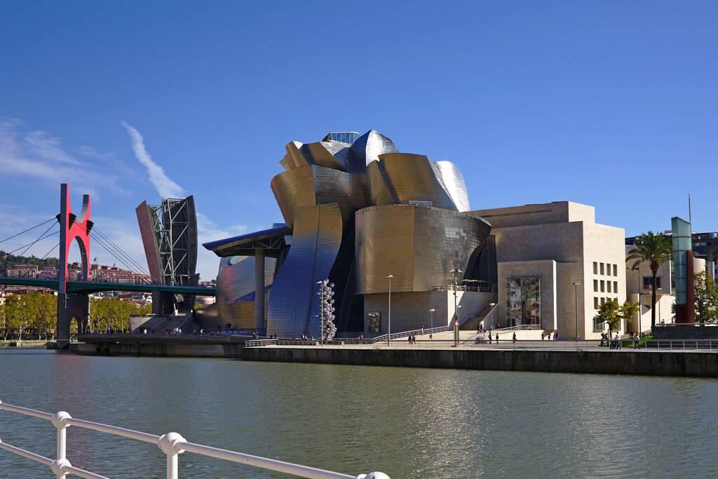 Музей гуггенхайма в бильбао