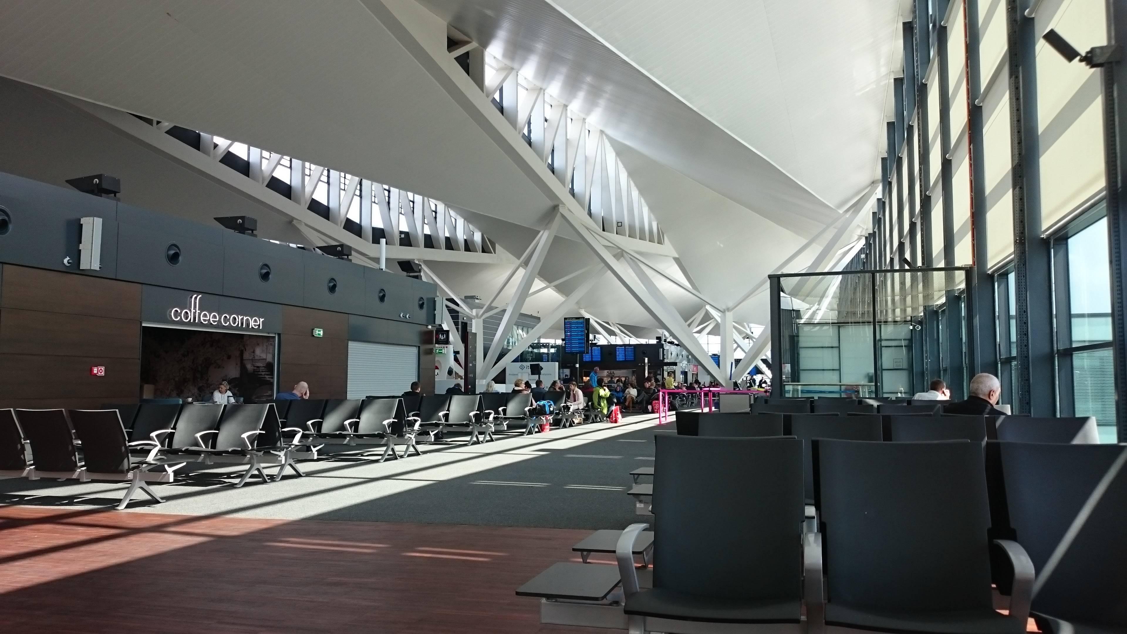 Аэропорт имени леха валенсы (г. гданьск) | расписание транспорта