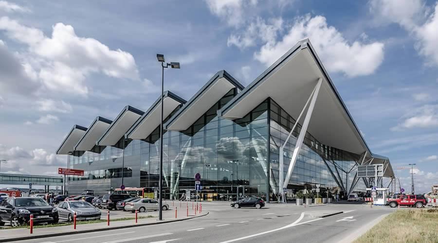Гданьский аэропорт имени леха валенсы — википедия