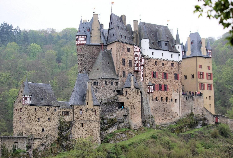 Замок эльц (burg eltz) в германии: фото, описание, карта, как добраться