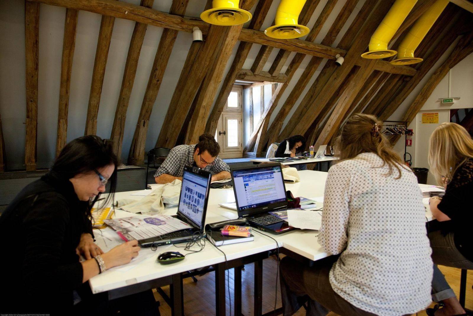 Поступление в университеты франции: стоимость, правила, система