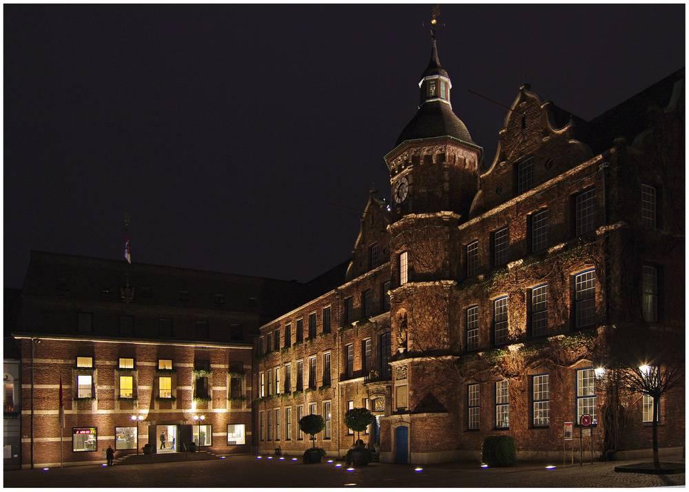 Дюссельдорфская ратуша - вики