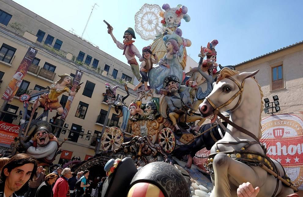 Праздник «мавры и христиане» в испании: дань истории и традициям